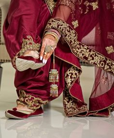 A Guide To Bridesmaids Dresses. Picking bridesmaids gowns is no simple job, but it is among the most interesting and typically the most emotional parts of the wedding planning proc Sikh Wedding Dress, Punjabi Wedding Suit, Punjabi Bride, Punjabi Suits, Wedding Lenghas, Wedding Outfits, Wedding Wear, Salwar Suits, Velvet Dress Designs
