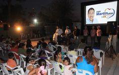 Continua cine y baile en comunidades de Mazatlán dentro de la campaña de Martín Perez
