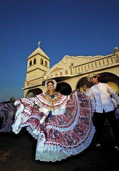 """#Panama, tenue traditionnelle """"Pollera"""""""
