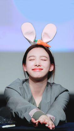 Twice Once, Nayeon Twice, Im Nayeon, Kpop Girls, Asian Girl, Fandoms, Yuri, Heaven, Bunny