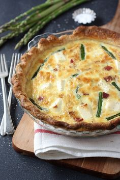 Asparagus, Bacon and Cream Cheese Quiche - Completely Delicious Quiche Recipes, Brunch Recipes, Breakfast Recipes, Breakfast Bites, Breakfast Options, Savoury Recipes, Bacon Quiche, Cheese Quiche, Cheese Food