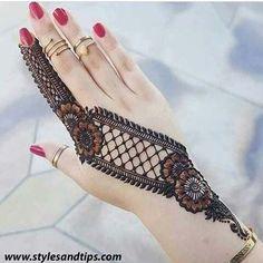 Easy Mehndi Designs You Must Try in 2019 - Mehndi Designs - Henna Designs Hand Back Hand Mehndi Designs, Modern Mehndi Designs, Mehndi Designs For Beginners, Mehndi Design Pictures, Mehndi Designs For Girls, Wedding Mehndi Designs, Latest Mehndi Designs, Henna Tattoo Designs, Henna Tattoos