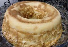 Trata-se de um bolo, mas com consistência de pudim. Fica delicioso este bolo pudim de farinha láctea. O preparo é bem simples. Confira a receita!