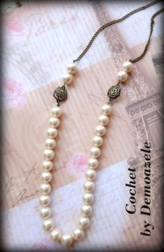 Cochet (45 LEI la DemoazeleArt.breslo.ro) Pearl Necklace, Necklaces, Pearls, Crafts, Jewelry, Fashion, String Of Pearls, Moda, Manualidades