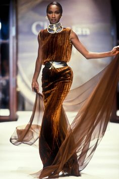 Image from object titled 'Christian Dior, Autumn-Winter Couture' Fashion D, Fashion Models, Fashion Show, Vintage Fashion, Brown Fashion, High Fashion, Style Couture, Dior Couture, Couture Fashion