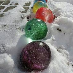Spruce up your sidewalk with balloons filled with color water. They look like giant Christmas bulbs!