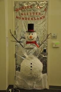 2012 2nd place - Walking in a Glitter Wonderland by Student Accounting.