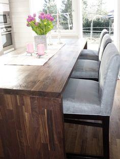 Barstol i grå farge. www.krogh-design.no Dining Bench, Dining Room, Furniture, Design, Home Decor, Dinner Room, Homemade Home Decor, Table Bench, Home Furnishings