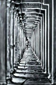 Engeller durup geri dönmen için değil aşmak için vardırlar.. Pes etmek korkakların işidir... Yolu bitirmek cesurların.