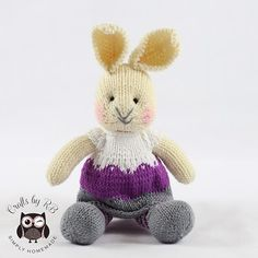 New rabbit added to my shop . Link in profile #rabbit #rabbitsofinstagram #rabbit #knitted #knitting #knitwithlove #numonday #numondayseller #numondayshop #cute #juliewilliams Easy Knitting Patterns, Knitting Ideas, Julie Williams, Little Cotton Rabbits, Knitted Animals, Knit Or Crochet, Baby Gifts, Needlework, I Shop
