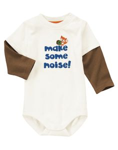 Make some noise! Fun lettering and drumming fox are embroidered on our soft bodysuit. Finished with stylish double sleeves.