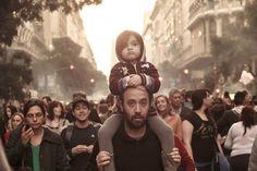 Los nenes y las nenas de la Plaza. La familia. Todo amor.   https://www.facebook.com/media/set/?set=a.957435890987613.1073742138.115689108495633&type=1