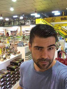 Clientes en nuestra tienda en elche,todas las tiendas en web corporativa www.salvadorartesano.com y app o aplicación móvil para ios y android