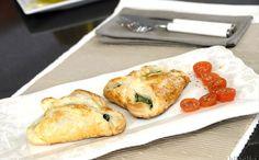 """""""Hojaldres De Espinacas Con Quesos Y Piñones"""" en Nestlé Cocina #recetas #nestlecocina #menuplanner #cocina"""