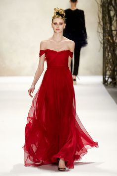 Monique Lhuillier - want this for the Red Dress Gala Monique Lhuillier, Beautiful Gowns, Beautiful Outfits, Evening Dresses, Formal Dresses, Wedding Dresses, Prom Dresses, Mode Glamour, Moda Chic