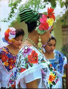 Hipil jaranerasYUCATAN MEXICO