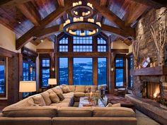 Landhaus Gebirge Interieur-modernes Wohnzimmer-Kamin