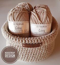 Hæklet rund kurv – Koustrup Design Handmade Design, Handmade Baby, Fun Crafts, Diy And Crafts, Creative Knitting, Beautiful Crochet, Knit Crochet, Crochet Patterns, Crochet Baskets