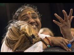 Amma: +32 millions d'étreintes d'amour pour montrer la compassion et l'amour maternel Universel