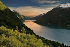 Фьорды на побережье, Норвегия