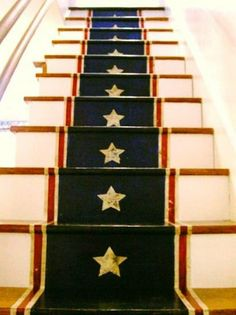 """Create a unique Americana focal point you'll love year-round with this DIY project--""""A Patriotic Painted Stair Runner"""" Painted Stairs, Painted Floors, Stenciled Stairs, Wooden Stairs, Paint Runner, Wallpaper Stencil, Stencil Diy, Stenciling, Stair Makeover"""