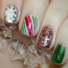 100 Beautiful Snowflakes Designs and Sparkling Glitters Nail Ideas for the Winter