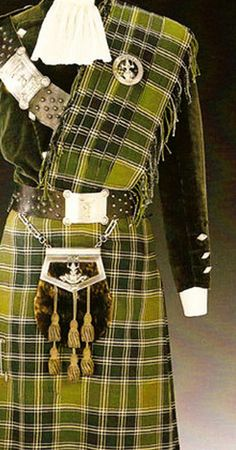 Detail of Duke of Windsor's green silk corduroy doublet, kilt and matching plaid (In Scotland the sash over the shoulder is called a plaid).