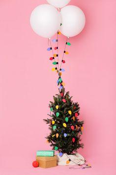 DIY-Christmas-Light-Balloon-Garlands /