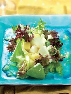 Ensaladas clásicas para la cocina de verano. Te damos la receta de la ensalada de queso y manzana. ¡Refrescante!