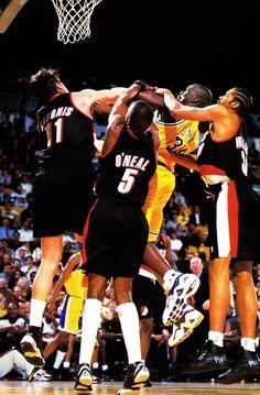 Sabonis, Jermaine O'Neal & Sheed foul Shaq