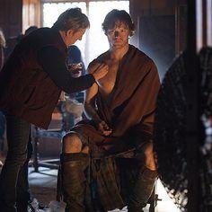 @Samheughan getting his #JAMMF on. #OutlanderSeries #STARZ