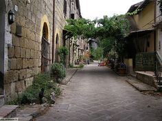 Imagen de http://www.settemuse.it/viaggi_italia_lazio/VITERBO VT_calcata/foto_calcata_082.JPG.