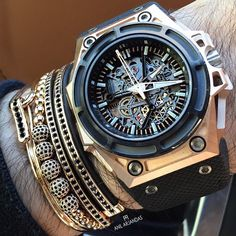 Linde Werdelin SpidoLite Gold✖️ Anil Arjandas jewels #gold #money #rich #millionaire #billionaire #watch #watchporn #wristgame #jewels #dreambig #luxury #lifestyle