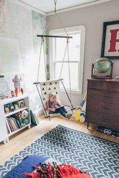Boy room design tips, An excessive level of accessories and furniture often causes rooms to feel small compared to they truly are. A wiser move is always to opt for a couple of key furnishings inside the room and maximize your open space. Modern Boys Rooms, Rugs For Kids Rooms, Rooms For Boys, Young Boys Bedroom Ideas, Childrens Bedroom Ideas, Cool Boys Room, Little Boys Rooms, Kids Bedroom Boys, Boy Toddler Bedroom
