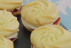 Mary's Viennese Whirls. The Great British Bakeoff - Mary Berry British Baking Show Recipes, British Bake Off Recipes, Baking Recipes, Cookie Recipes, Dessert Recipes, Bbc Recipes, British Desserts, Mary Berry Viennese Whirls, The Great British Bake Off