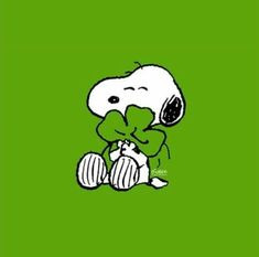 Ideas funny happy birthday friend quotes snoopy and woodstock Happy Birthday Quotes For Friends, Friend Birthday, Funny Birthday, Funny Friends, Birthday Sayings, Birthday Board, Snoopy Et Woodstock, Coeur Gif, Impression Poster