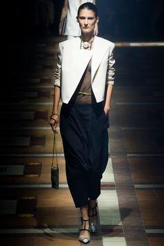 Lanvin Parigi - Spring Summer 2015 Ready-To-Wear - Shows - Vogue. Fashion Week Paris, Runway Fashion, Spring Fashion, High Fashion, Fashion Show, Womens Fashion, Fashion Design, Fashion Trends, Fashion 2014