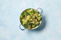 Kijk wat een lekker recept ik heb gevonden op Allerhande! Geroerbakte broccoli met sojasaus en sesam