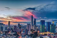 La imagen puede contener: cielo, nube, rascacielos y exterior Visit Colombia, Colombia Travel, Spanish Projects, Turkey Travel, Travel Aesthetic, Urban Landscape, Seattle Skyline, Color Mixing, Places To Visit