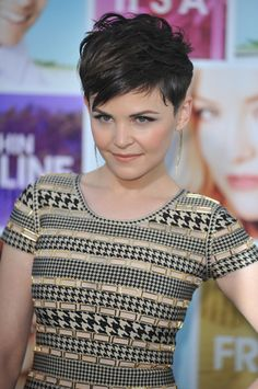 Ginnifer-Goodwin-Something-Borrowed-Movie-Premiere_prphotos.jpg 350×527 pixels