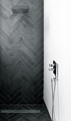 Emperors Gate by Dyer Grimes Architects Dyer Grimes Architects Herringbone Tile Pattern, Grey Pattern, Shower Tile Designs, Laundry In Bathroom, Small Bathroom, Paint Bathroom, Shower Bathroom, Bathroom Cabinets, Shower Tiles