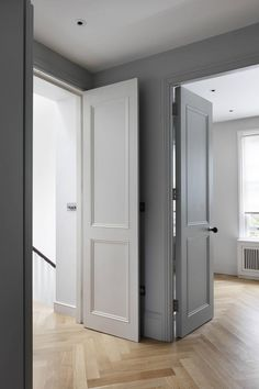 Victorian Family House in London Gets Fresh Redesign 8 Victorian Interior Doors, Victorian Bedroom, Victorian Terrace, Victorian Homes, Victorian Interiors, House Extension Design, House Design, Internal Doors, Victorian Doors Internal
