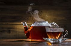 Té de cardamomo. Si tienes nauseas, gases o indigestión, un té de cardamomo puede ayudarte. Lo mismo si tomaste mucho café, esta semilla te ayuda a sacar la cafeína de tu cuerpo y sacar las flemas cuando tienes enfermedades pulmonares.