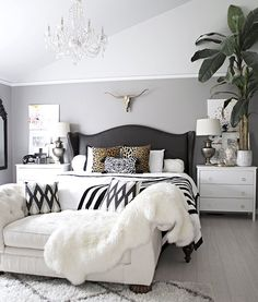 Glamorous Bedroom | Black And White Room Ideas That Will Make You Go Monochrome