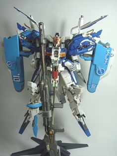 This gundam paper model is a Ex-S Gundam (aka Extraordinary-Superior Gundam), an upgraded version of the S Gundam that appears in Gundam Gundam Papercraft, Diy Toys, Toy Diy, Papercraft Download, Free Paper Models, Gundam Art, Card Stock, Paper Crafts, Spaceships