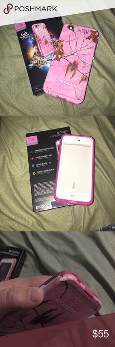Lifeproof Fre Case iPhone 6/6s Pink camo Lifeproof Fre case for iPhone 6/6s. Used for a short time. Completely water proof! Everything work the way it should. Couple of dings from dropping phone. But other than that it's in great condition! Comes with original box and accessories. Accessories Phone Cases