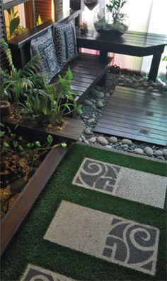 Anda boleh membentuk sebuah taman mini di sudut pejabat sebagaimana yang dicipta oleh Terra Garden ini. Selain menjadikan batu-batu sungai, anda boleh  meletakkan lantai dek kecil di ruang santai tersebut.