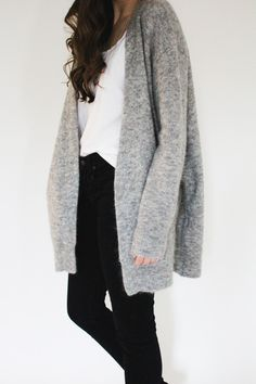 Black jeans with a grey cardigan // basics