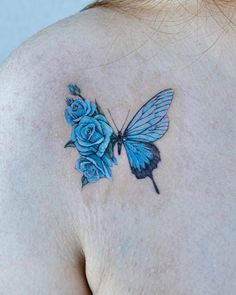 Realistic Butterfly Tattoo, Butterfly With Flowers Tattoo, Butterfly Wrist Tattoo, Butterfly Tattoos For Women, Chest Tattoos For Women, Flower Tattoo Shoulder, Butterfly Tattoo Designs, Unique Tattoos, Cute Tattoos