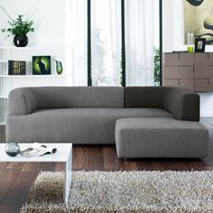 A contemporary crossover of comfort and style, the Barcelona's plump cosy cushions - covered in a soft felt-like material - are complemented by a two toned colour design. Compact, but with a spacious seating area. Great for relaxing in style!
